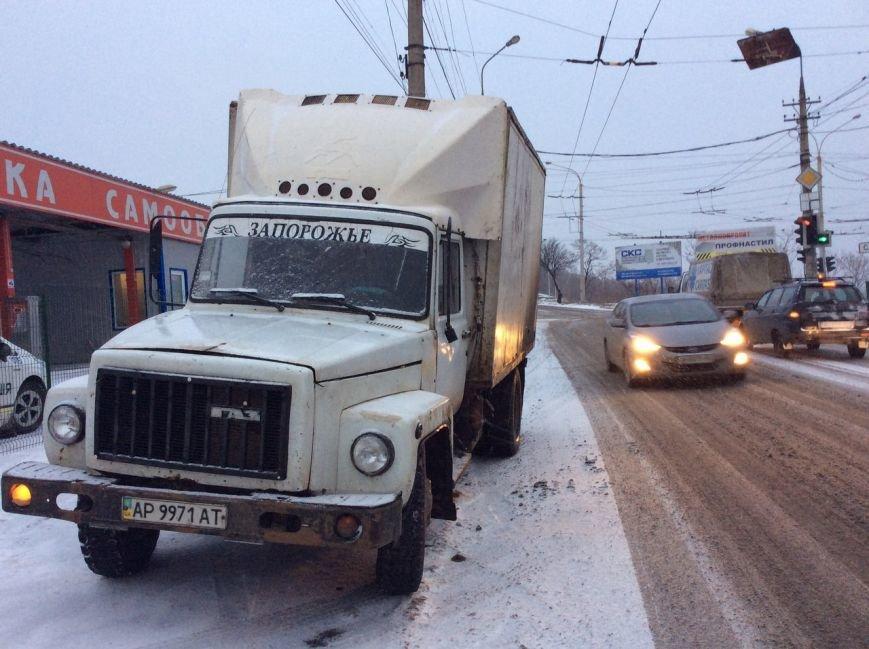 В Мариуполе на трамвайных путях перевернулся грузовик с курятиной (ФОТО+ВИДЕО), фото-5