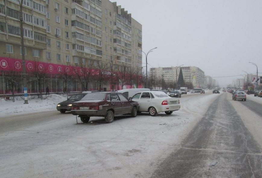 Тройное ДТП произошло в самом центре Заволжья. ФОТО, фото-6