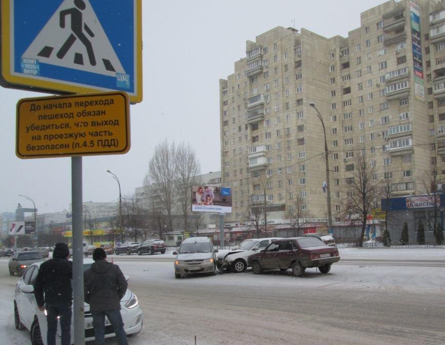 Тройное ДТП произошло в самом центре Заволжья. ФОТО, фото-4