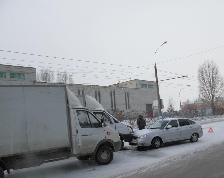 Тройное ДТП произошло в самом центре Заволжья. ФОТО, фото-3