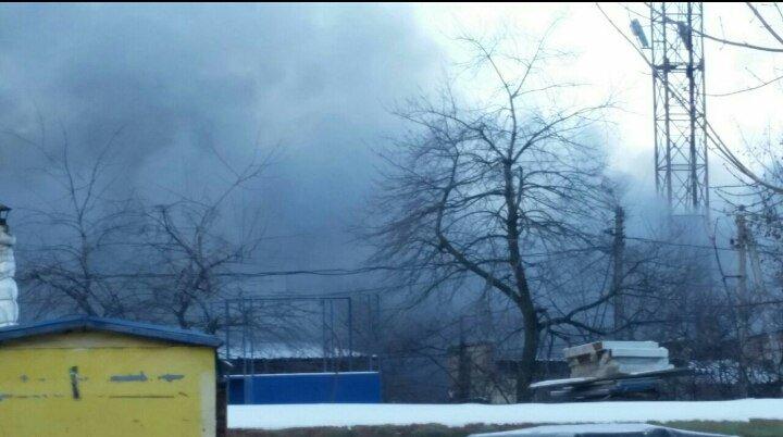 В Вишневом горят склады, фото-1