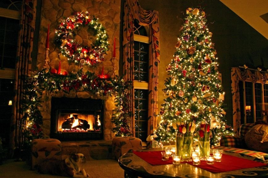designer-christmas-tree-with-ribbon-exquisite-design