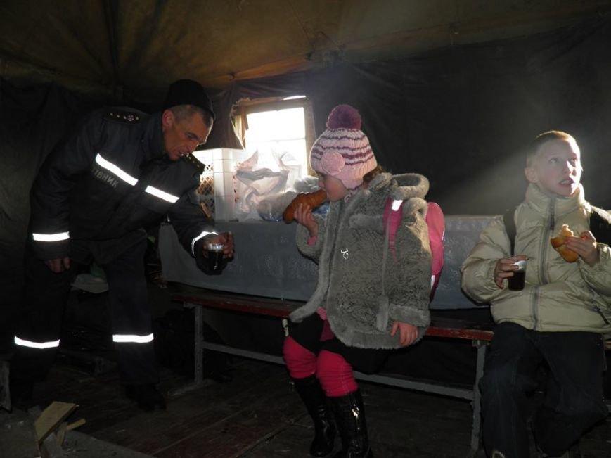 Як мер Ужгорода рятувався від холоду у пункті обігріву: фото, фото-2