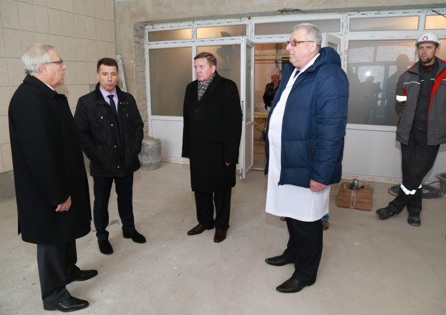 Ингулецкий ГОК направил около 2 миллионов гривен на ремонт хирургии в больнице №17, фото-1