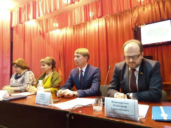 Децентрализация по-Мирноградски: 2 варианта объединения - в большую Покровскую громаду или в Мирноградскую, фото-1