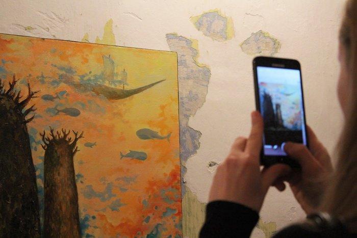 «У кого-то и вовсе в голове гуляет ветер, а у меня живут киты». В «Арт-пространстве» состоялась дебютная выставка витебской художницы-воло..., фото-3
