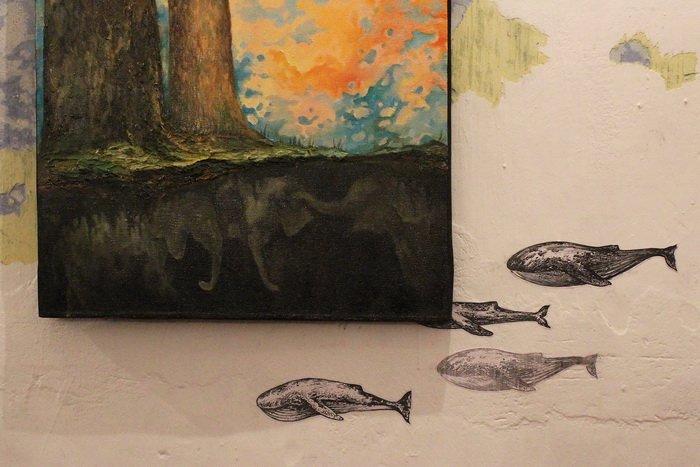 «У кого-то и вовсе в голове гуляет ветер, а у меня живут киты». В «Арт-пространстве» состоялась дебютная выставка витебской художницы-воло..., фото-4