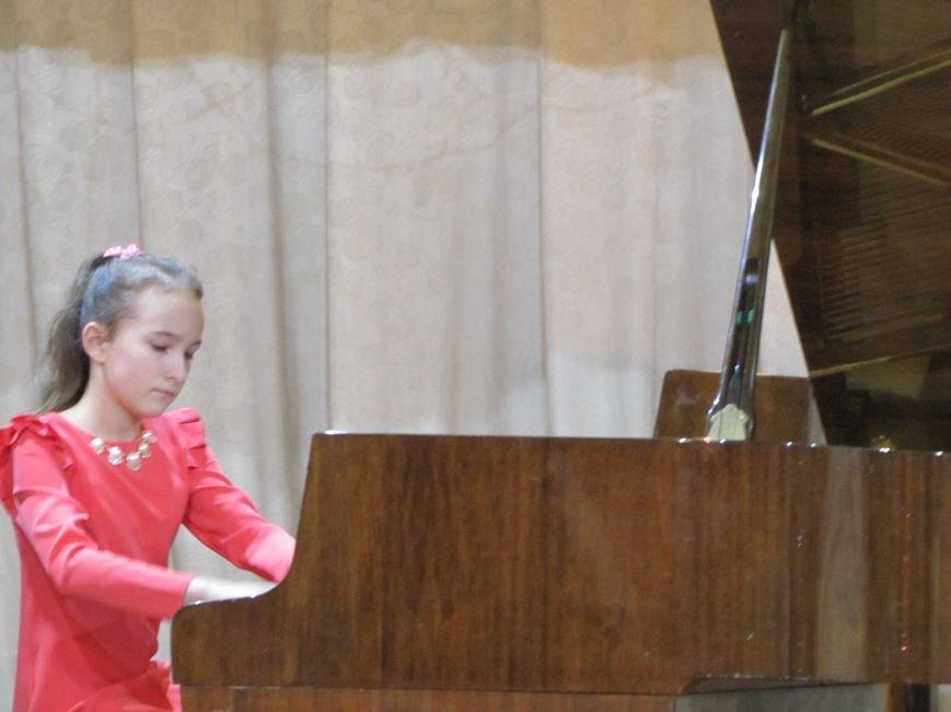 Юные пианисты прошлись по нотным страницам Юрия Щуровкого (фото, видео), фото-2