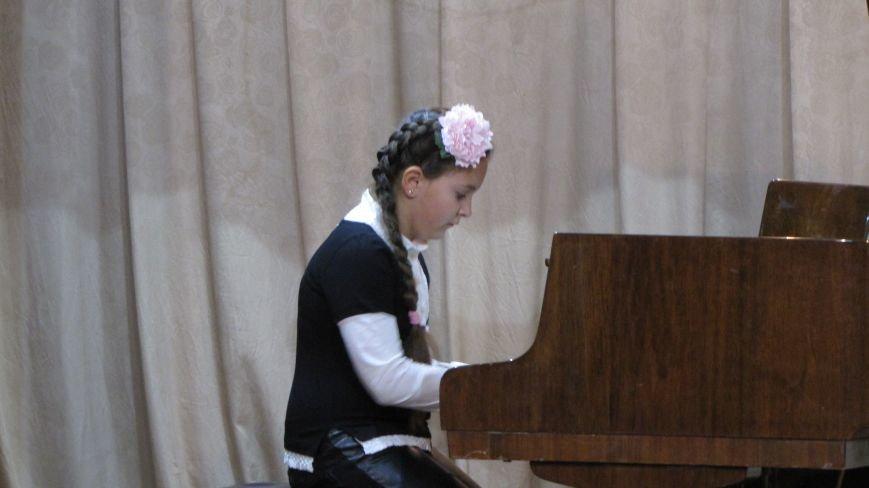 Юные пианисты прошлись по нотным страницам Юрия Щуровкого (фото, видео), фото-3