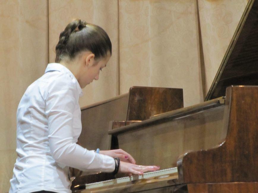 Юные пианисты прошлись по нотным страницам Юрия Щуровкого (фото, видео), фото-5