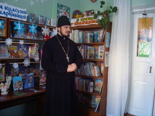 У Новограді-Волинському відбулося свято-зустріч «Я Святого Миколая у віконце виглядаю», фото-2