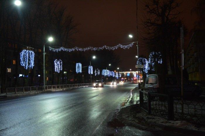 Огни ночного города. Как выглядит центр Новополоцка накануне праздников, фото-2