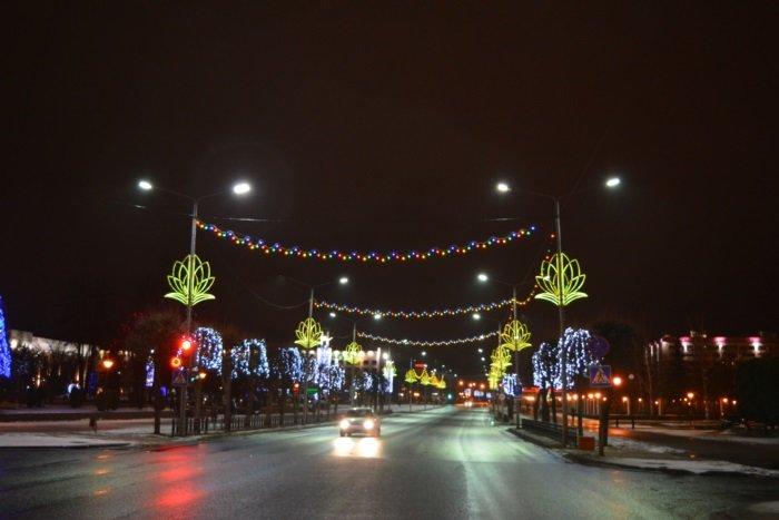 Огни ночного города. Как выглядит центр Новополоцка накануне праздников, фото-4