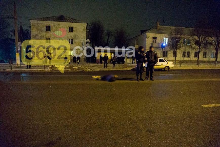 В Каменском на проспекте Юбилейном в ДТП погибла женщина-пешеход, фото-4