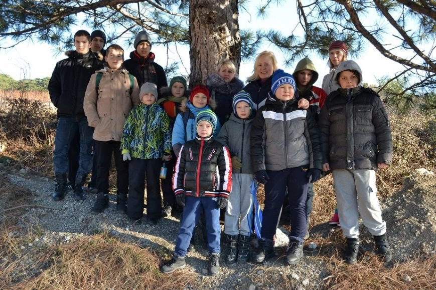 Юные гаспринские спортсмены совершили поход выходного дня на малую Ай-Петри, фото-2
