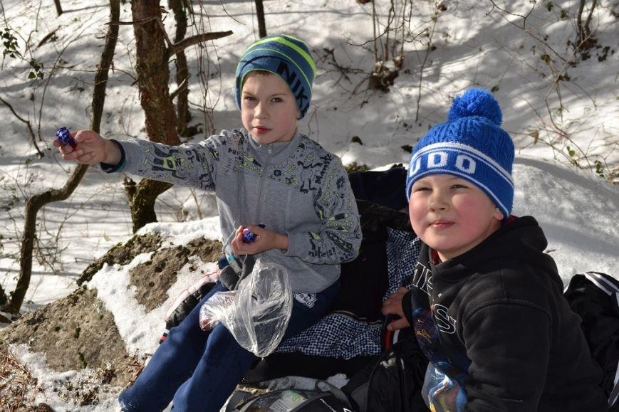 Юные гаспринские спортсмены совершили поход выходного дня на малую Ай-Петри, фото-1