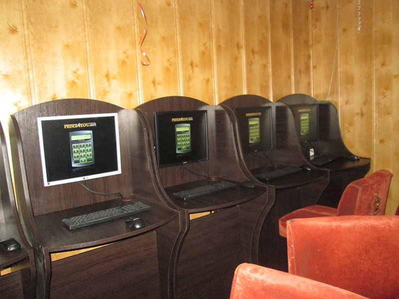 Изъято более 60 компьютеров, деньги и сетевое оборудование: результат ликвидации игорных залов в Бахмуте и Бахмутском районе (ФОТО), фото-7
