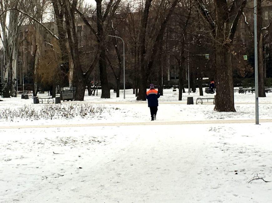 В парке Героев идут последние приготовления к открытию главной елки Кривого Рога (ФОТО), фото-1