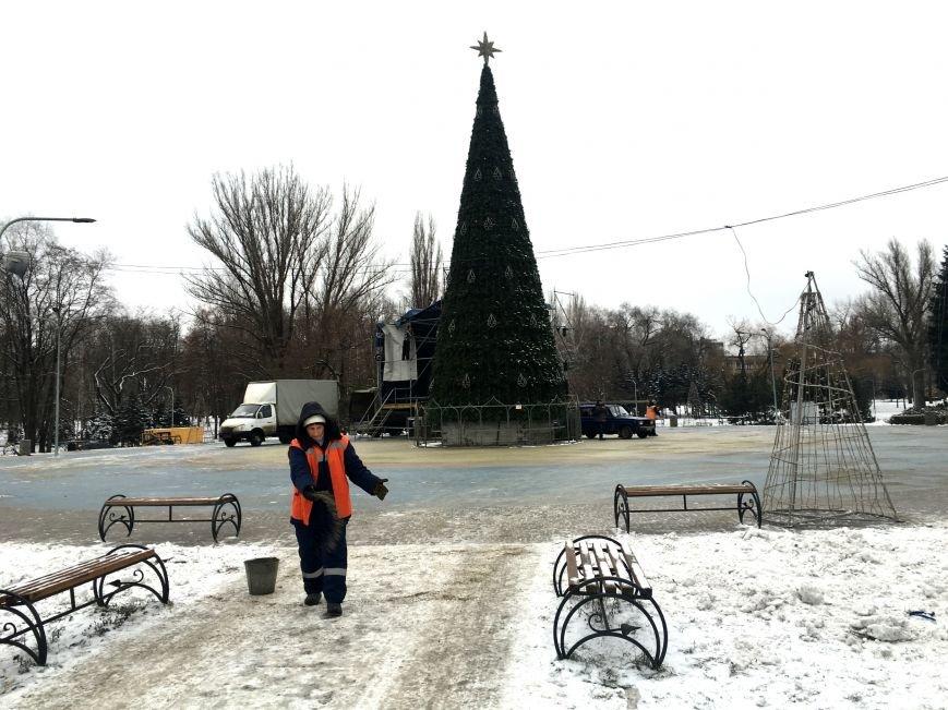 В парке Героев идут последние приготовления к открытию главной елки Кривого Рога (ФОТО), фото-4