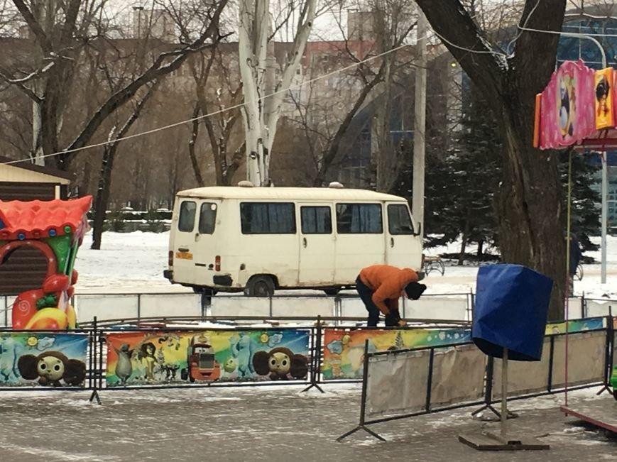 В парке Героев идут последние приготовления к открытию главной елки Кривого Рога (ФОТО), фото-14