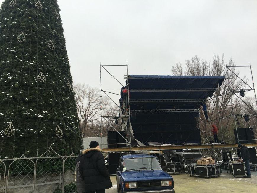 В парке Героев идут последние приготовления к открытию главной елки Кривого Рога (ФОТО), фото-11