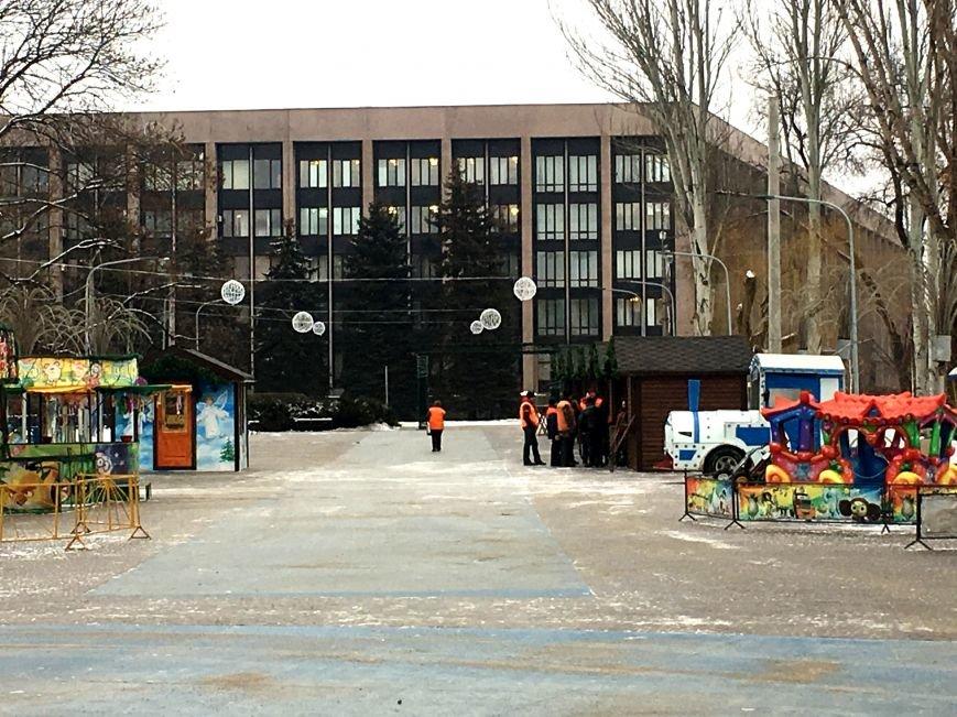 В парке Героев идут последние приготовления к открытию главной елки Кривого Рога (ФОТО), фото-10