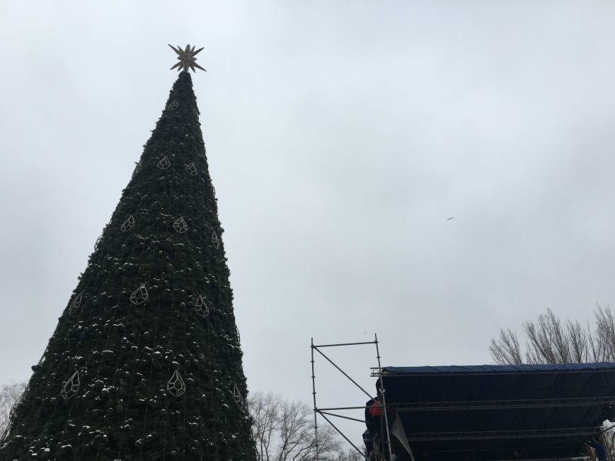 В парке Героев идут последние приготовления к открытию главной елки Кривого Рога (ФОТО), фото-12