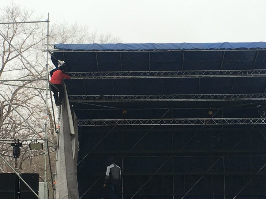 В парке Героев идут последние приготовления к открытию главной елки Кривого Рога (ФОТО), фото-18