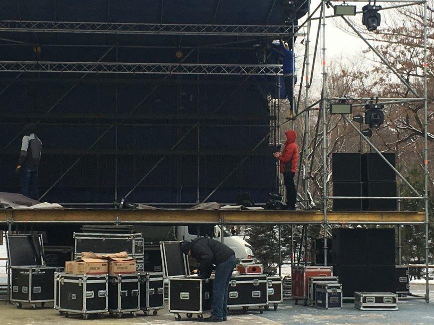 В парке Героев идут последние приготовления к открытию главной елки Кривого Рога (ФОТО), фото-17