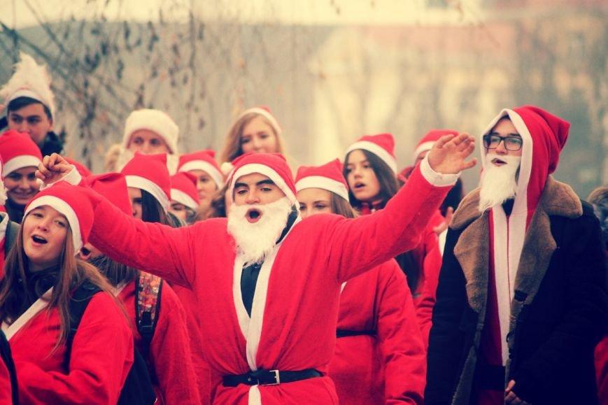 В Ужгороді пройшов ювілейний парад Миколайчиків: фоторепортаж, фото-27