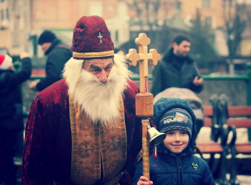 В Ужгороді пройшов ювілейний парад Миколайчиків: фоторепортаж, фото-18