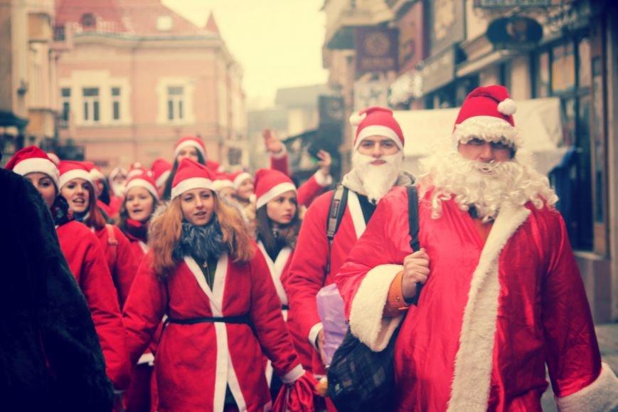 В Ужгороді пройшов ювілейний парад Миколайчиків: фоторепортаж, фото-22