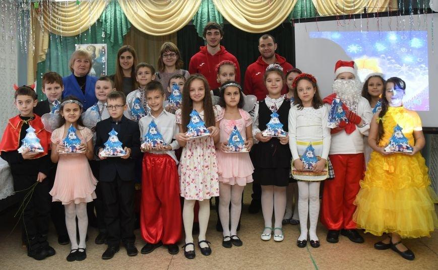 58 тысяч детей получили подарки в День Николая от Фонда Бориса Колесникова, фото-1