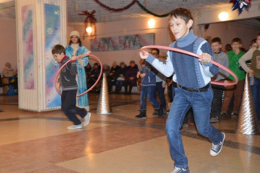 Юные авдеевские футболисты получили сладкие подарки от генерального директора АКХЗ (ФОТО), фото-12