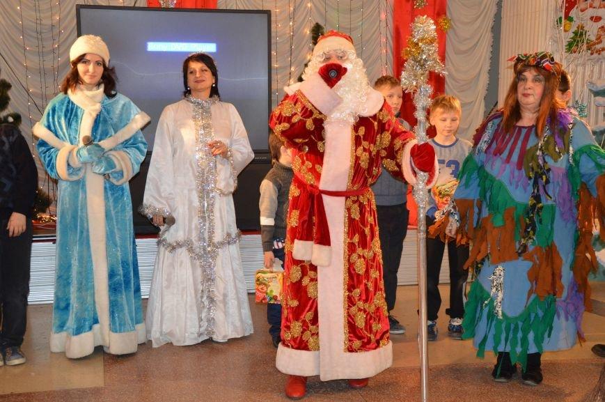 Юные авдеевские футболисты получили сладкие подарки от генерального директора АКХЗ (ФОТО), фото-7