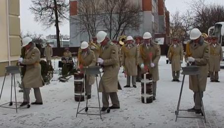 48 родин військовослужбовців отримали ключі від новеньких квартир в Конотопі, фото-3
