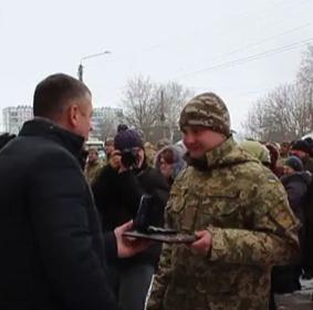 48 родин військовослужбовців отримали ключі від новеньких квартир в Конотопі, фото-2