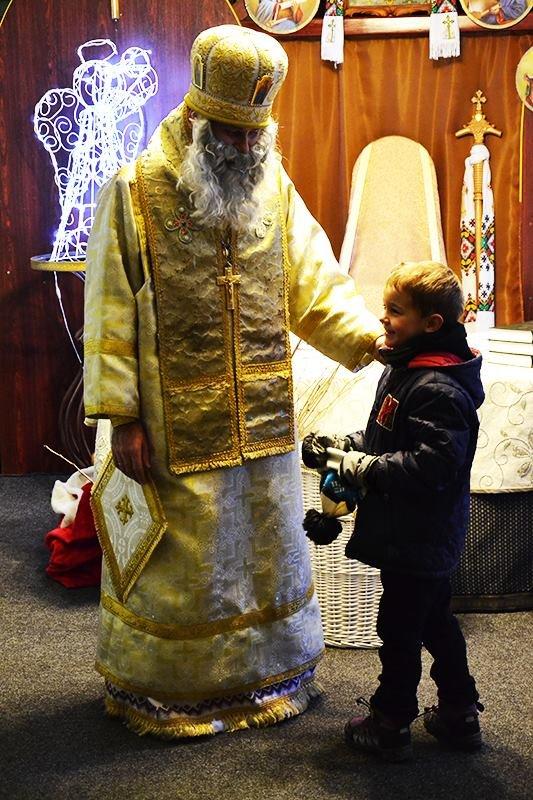 В Херсон на колеснице прибыл Святой Николай и открыл свою резиденцию (фото), фото-4