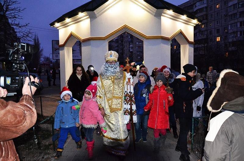 В Херсон на колеснице прибыл Святой Николай и открыл свою резиденцию (фото), фото-2