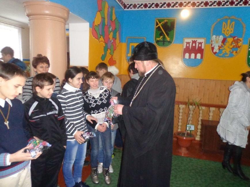 К воспитанникам интерната с подарками приходил Николай Чудотворец (фото), фото-5