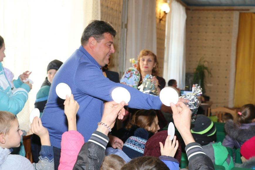 В Бахмутском районе поздравили маленьких принцесс и детей из многодетных семей, фото-12