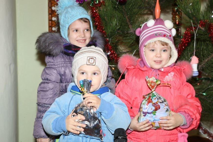 В Бахмутском районе поздравили маленьких принцесс и детей из многодетных семей, фото-14