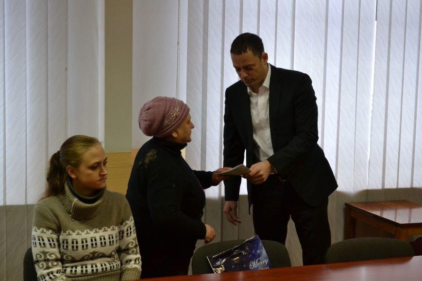 Жителям Южного района Каменского вручили ордера на квартиры, фото-3