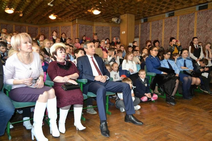 В день святого Николая дети из Алупкинской школы-интерната и санатория Боброва получили сладкие подарки, фото-4