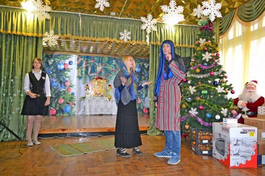 В день святого Николая дети из Алупкинской школы-интерната и санатория Боброва получили сладкие подарки, фото-3
