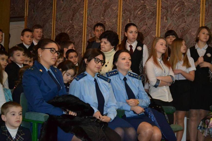 В день святого Николая дети из Алупкинской школы-интерната и санатория Боброва получили сладкие подарки, фото-5