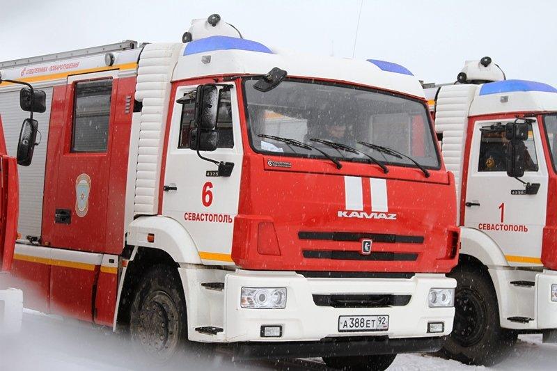 Спасатели Севастополя соревновались в скоростном маневрировании на снегу, фото-2