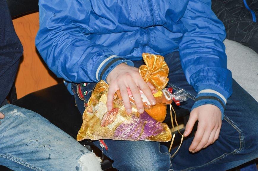 На Днепропетровщине подарки от Святого Николая передали несовершеннолетним правонарушителям (ФОТО), фото-3