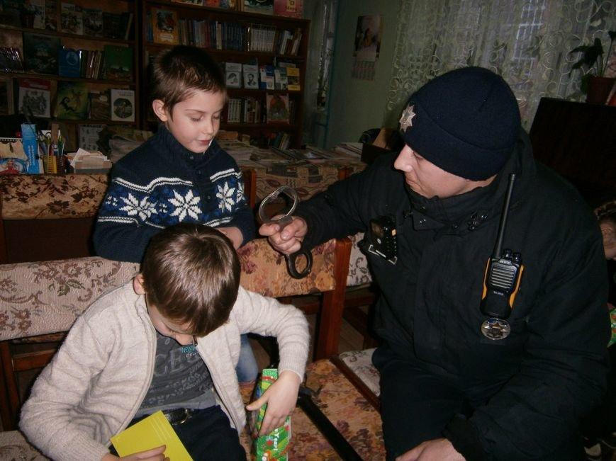 """""""В Новий рік - з Новою поліцією"""" - у Слов'янській дитячій бібліотеці відбувся новорічний захід, фото-3"""