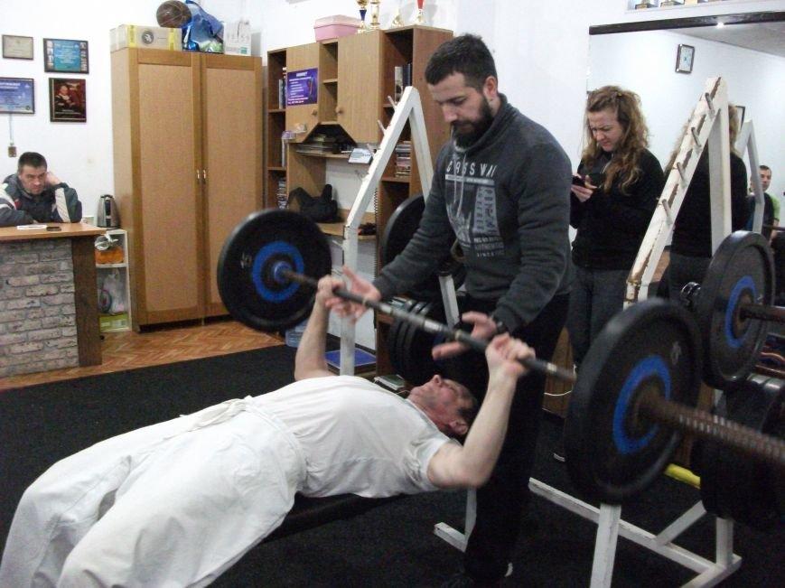 В Каменском прошли соревнования по пауэрлифтингу среди спортсменов-инвалидов, фото-3